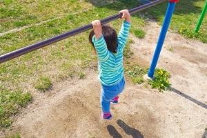 体を上手く動かす能力は、5歳から11歳までに決まる。少年野球で取り入れるべきこと