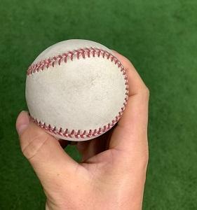 野球の基本!正しいボールの握り方を覚えよう